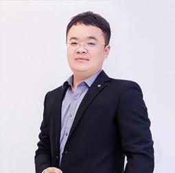 田鹏家丨首席设计师