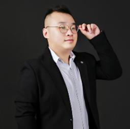 殷雷丨首席设计师